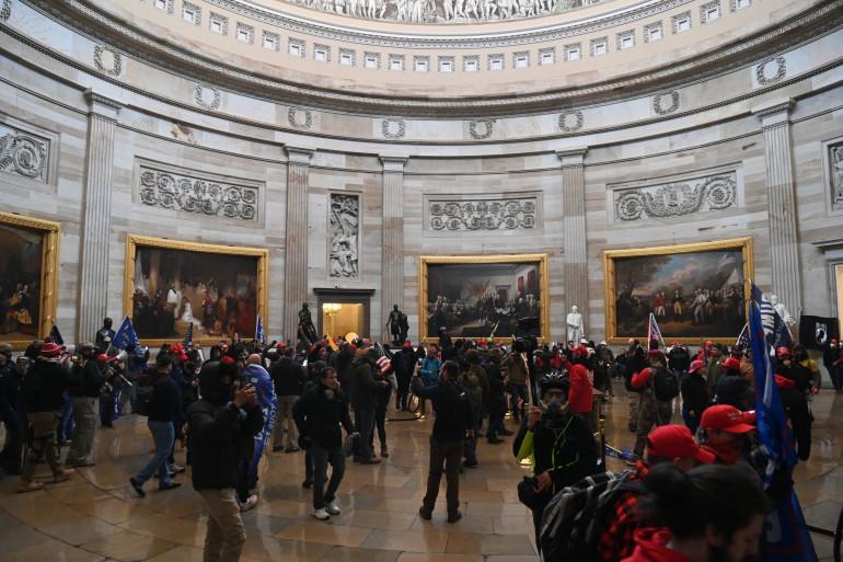 Des manifestants pro-Trump dans le Capitole, le 6 janvier 2020