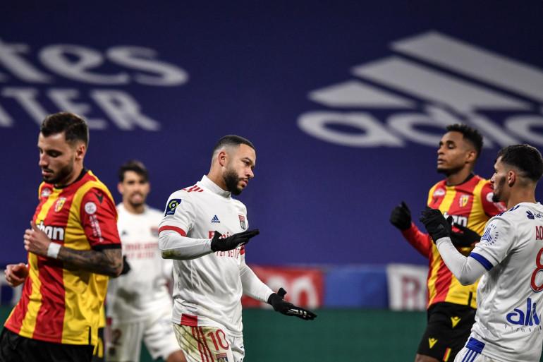 Memphis Depay et Houssem Aouar avec Lyon face à Lens le 6 janvier 2021