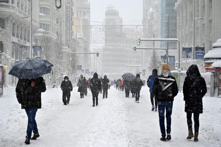 Une tempête de neige historique a paralysé l'Espagne et sa capitale.