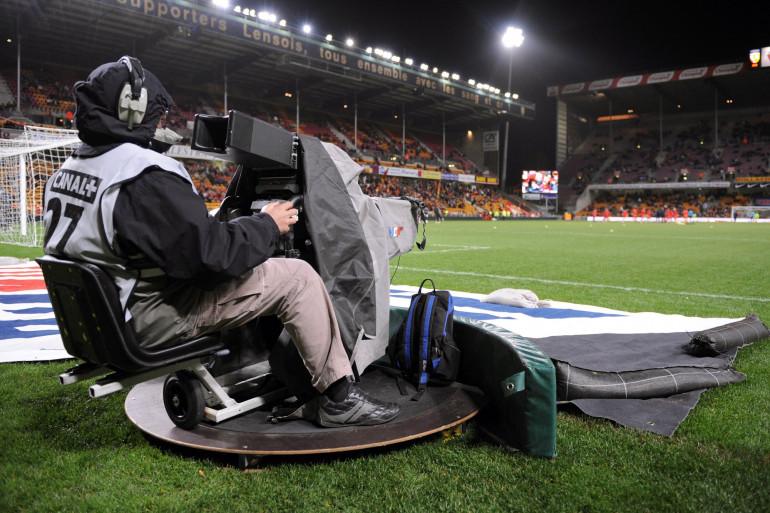 Un cameraman au stade Bollaert de Lens le 1er mars 2008