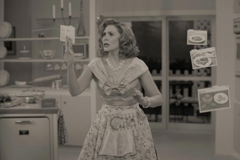 """Wanda Maximoff (Elizabeth Olsen) dans la série """"WandaVision"""""""