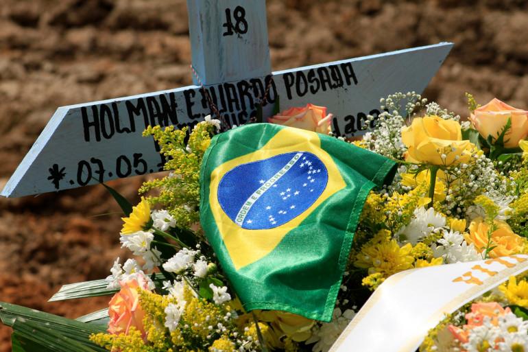 La tombe d'une victime du Covid-19, à Manaus, au Brésil, le 22 janvier 2021
