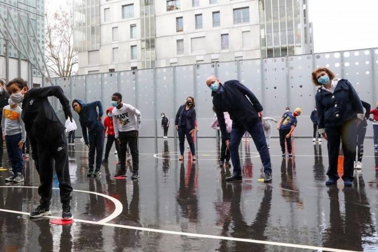 Jean-Michel Blanquer en séance de sport dans une école parisienne, le 2 février.