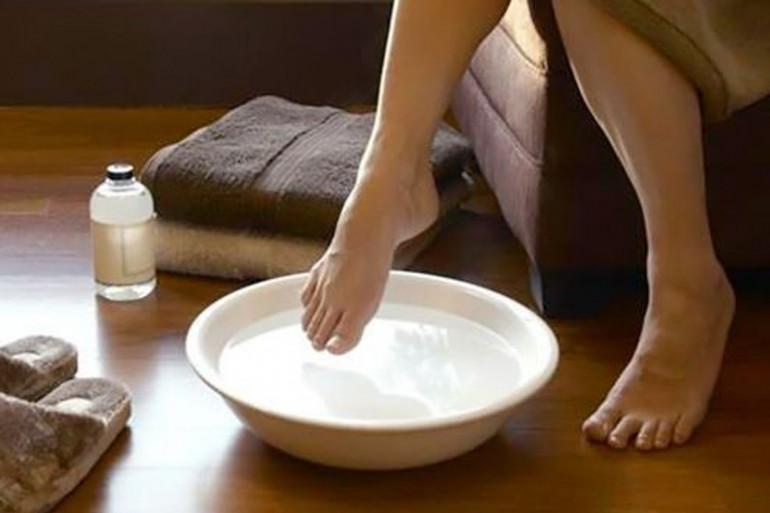 Les conseils de Michel Cymes pour prendre soin de ses pieds