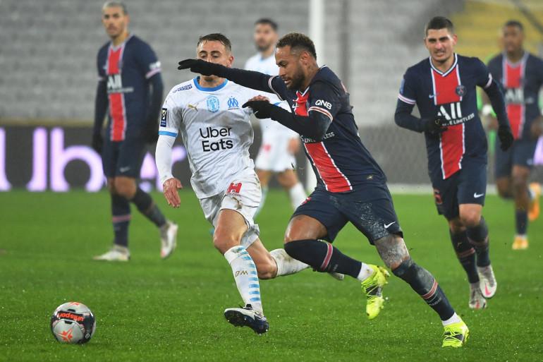 Neymar au duel avec Valentin Rongier le 13 janvier 2021 à Lens