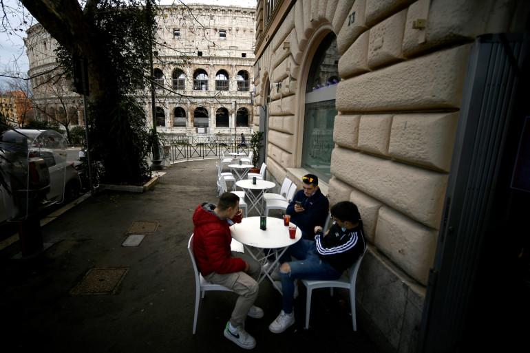 En Italie, la plupart des régions ne sont plus en rouge et les restrictions contre le coronavirus ont été allégées.