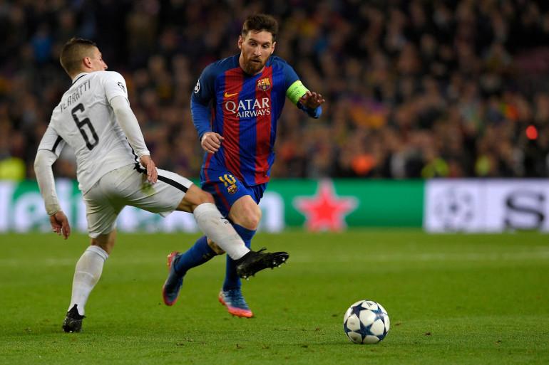 Lionel Messi devant Marco Verratti le 8 mars 2017 au Camp Nou, face au Paris Saint-Germain