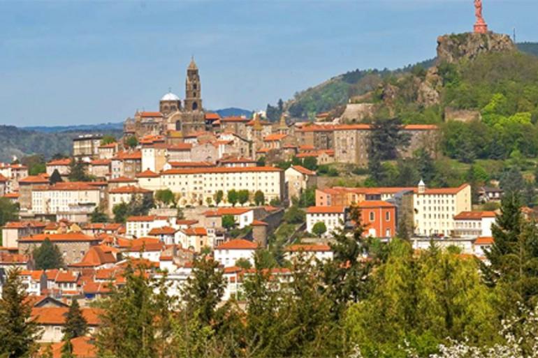 Une vue du Puy-en-Velay