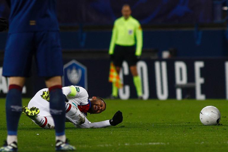 Neymar au sol à Caen le 10 février 2021