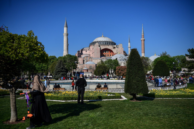 Les facilités de voyage vers la Turquie ont fait d'Istanbul un lieu de retrouvailles des amoureux pendant la pandémie