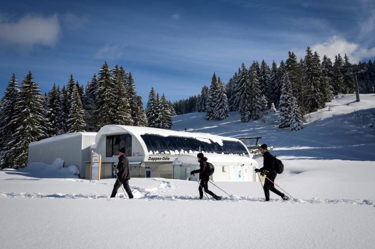 Le domaine de la Dôle est fermé côté français, ouvert côté suisse.
