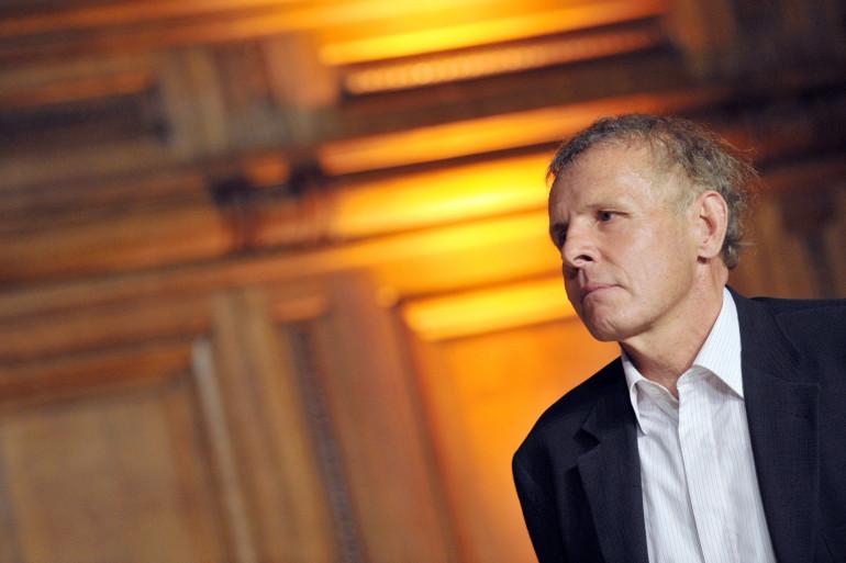 Le journaliste et animateur Patrick Poivre d'Arvor (PPDA) lors d'une cérémonie de remise de prix à l'université de la Sorbonne à Paris, le 3 juillet 2009.