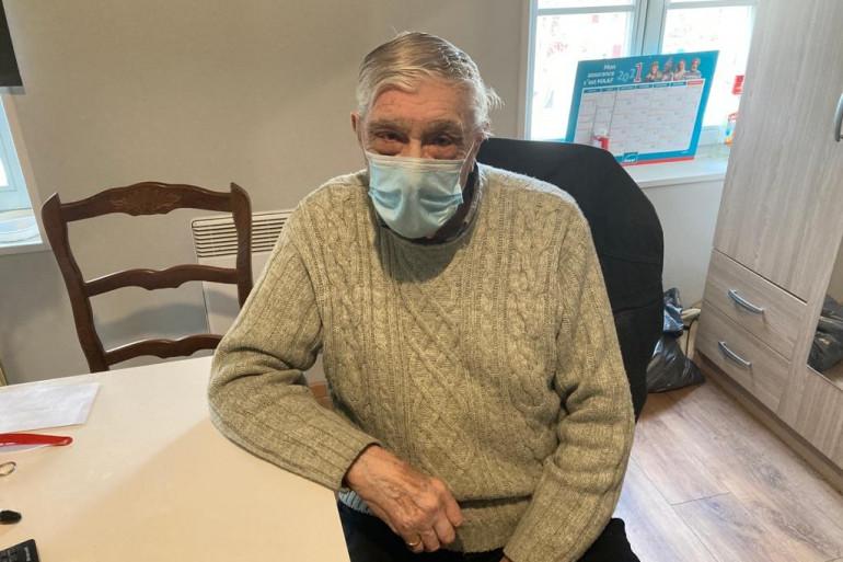Roland est pour la première fois retourné visiter sa maison squattée durant 5 mois. Une visite un peu douloureuse.