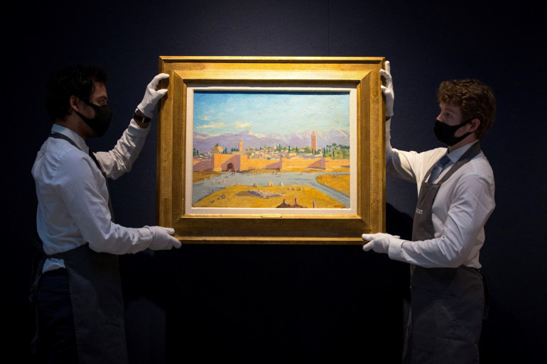 """L'œuvre de Winston Chruchill """"Tour de la mosquée Koutoubia"""" a été vendue au prix de 8.285.000 de livres sterling lors de la Modern British Art Evening Sale à la maison de vente Christie's à Londres le 1er mars 2021."""
