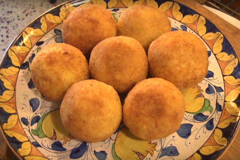 Les arancini sont une spécialité de Sicile