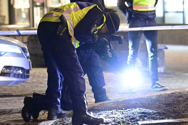 Sur le lieux de l'attaque, dans la ville suédoise de Vetlanda le 3 mars 2021.