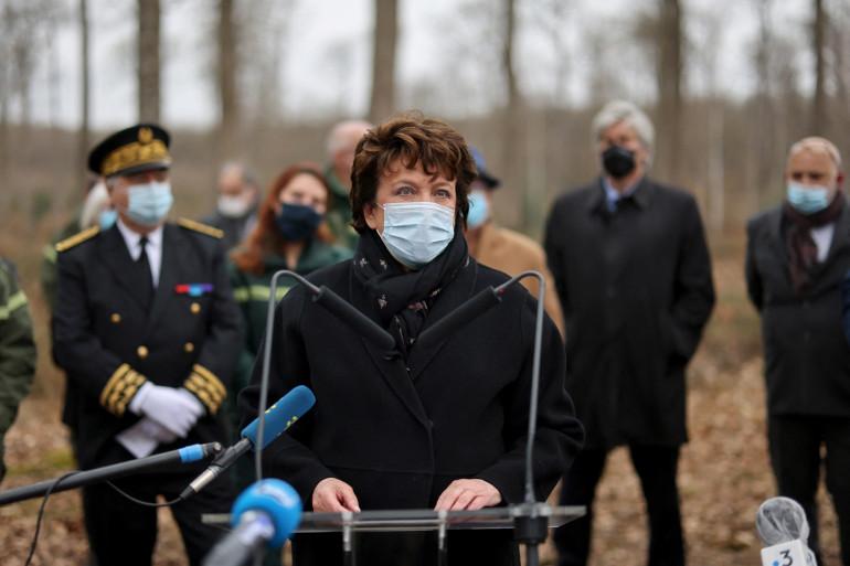 La ministre de la Culture Roselyne Bachelot fait le point sur le calendrier du chantier de restauration de Notre-Dame de Paris