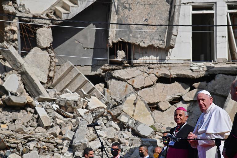 Le pape François en visite à Mossoul en Irak le 7 mars 2021