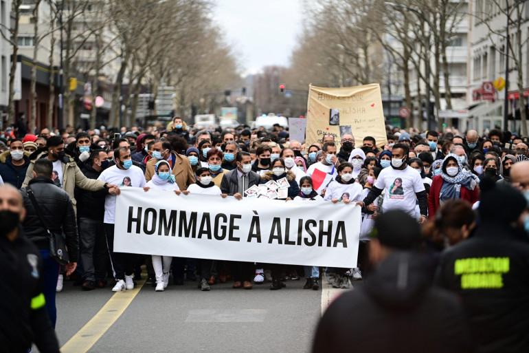 La marche blanche en mémoire d'Alisha, à Argenteuil, dimanche 14 mars.