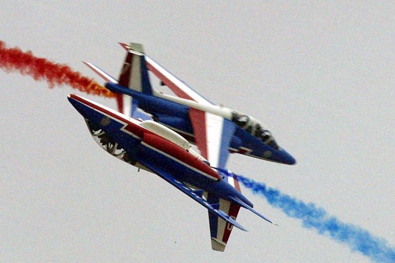 Deux Alpha Jets de la Patrouille de France lors d'une démonstration en Hongrie en 2007