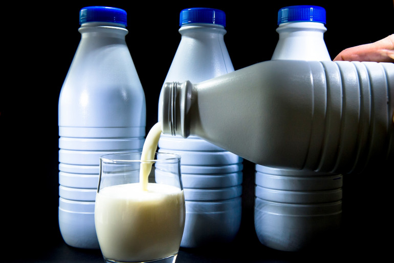 Des bouteilles de lait (illustration)