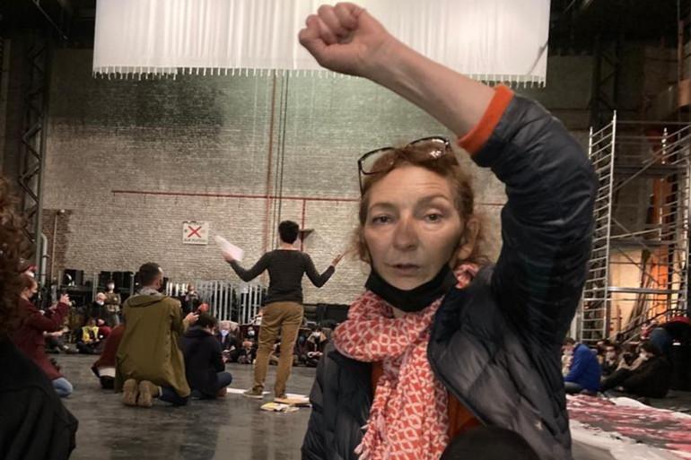 Coline Masiero au théâtre Sébastopol de Lille avec les intermittents du spectacle.