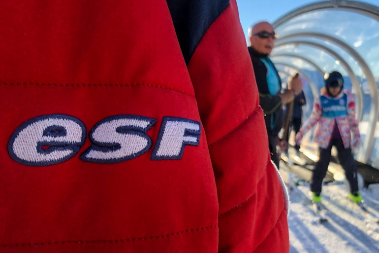 Des écoles de ski ESF sont soupçonnés de fraude au fonds de solidarité.