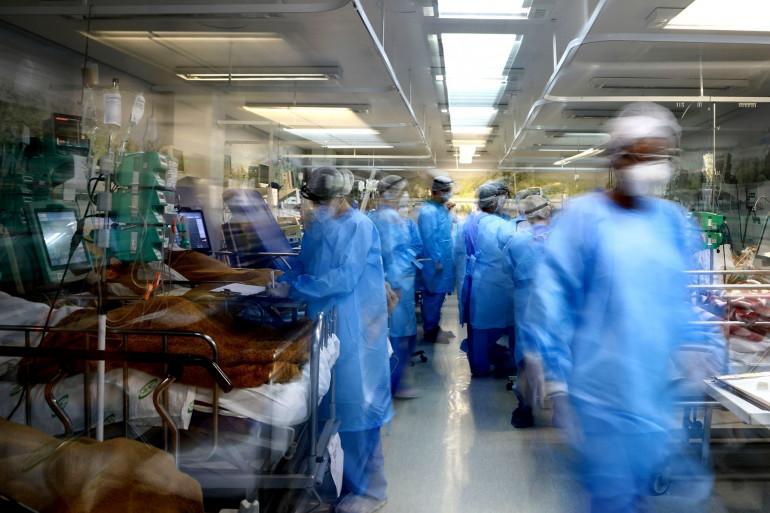Le Brésil franchit le cap des 4.000 décès quotidiens.