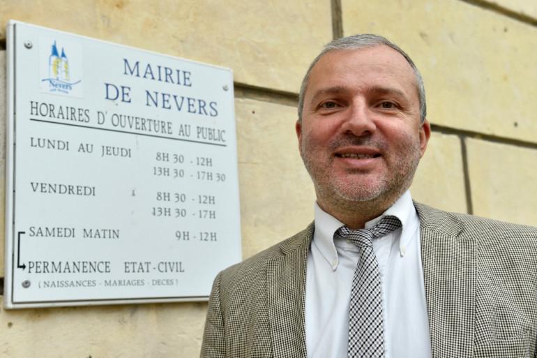 Denis Thuriot, le maire de Nevers dans le centre de la France, le 4 avril 2017.