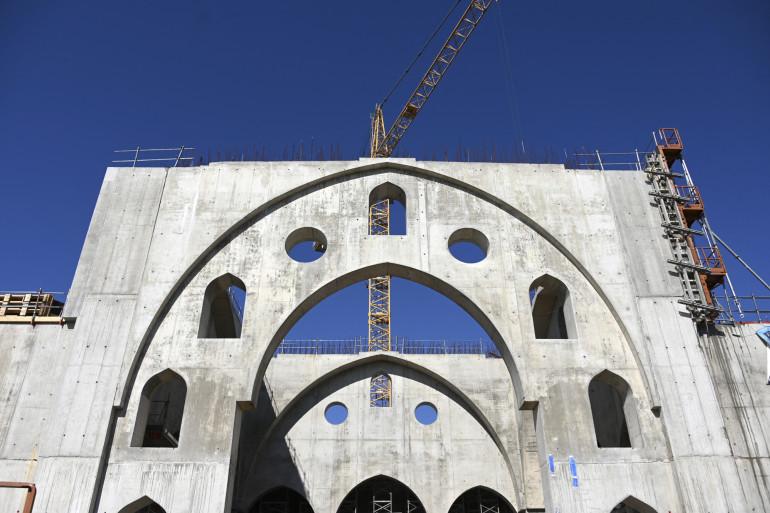 Cette mosquée, Eyyub Sultan, est en construction dans le quartier de la Meinau.