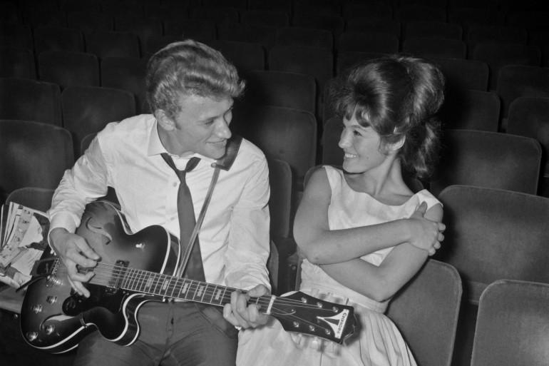 Johnny Hallyday à l'Olympia au début des années 60 avec la chanteuse Gillian Hills