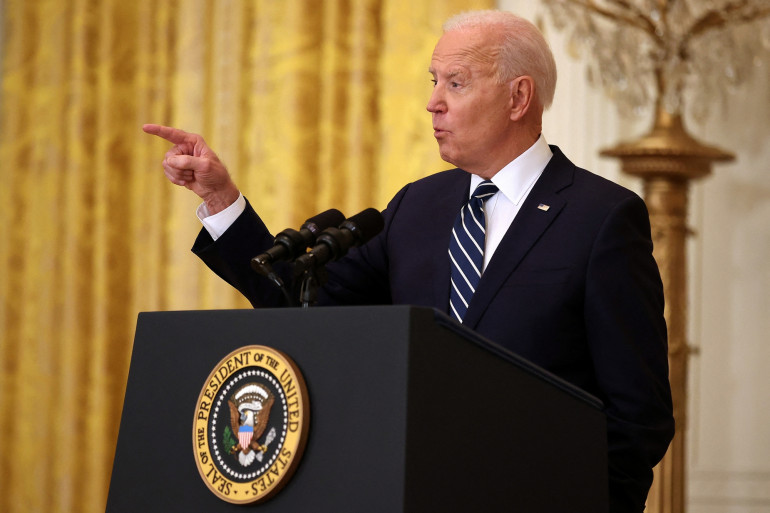 Le président Joe Biden s'entretient avec les journalistes lors de la première conférence de presse de sa présidence dans la salle Est de la Maison Blanche le 25 mars 2021 à Washington, DC.