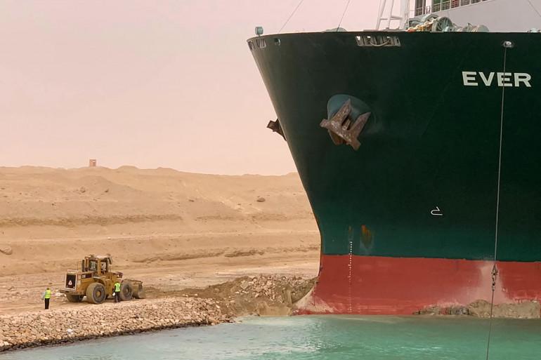 """Le navire """"Ever-Given"""" bloque le Canal de Suez depuis lundi 22 mars."""