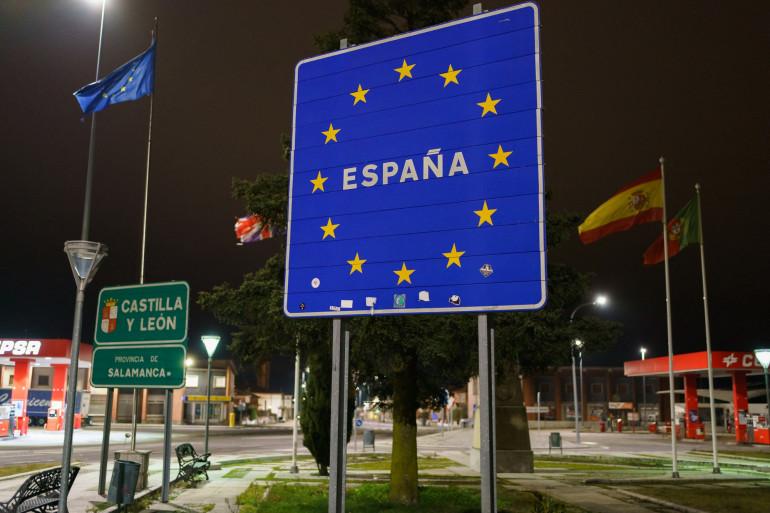 Un panneau à la frontière espagnole