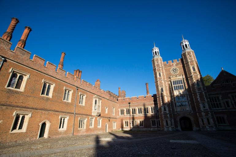 L'Eton college, à Londres, ressort dans plusieurs témoignages