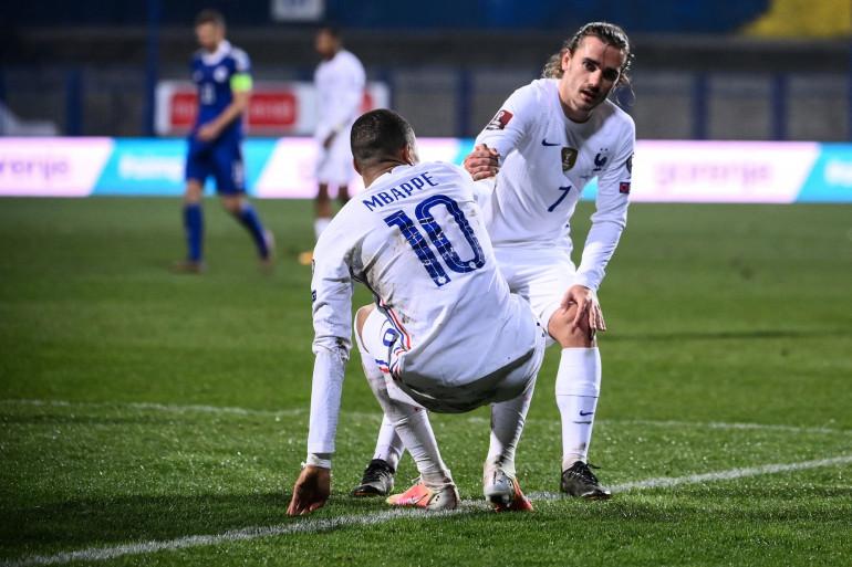 Antoine Griezmann et Kylian Mbappé avec les Bleus à Sarajevo le 31 mars 2021