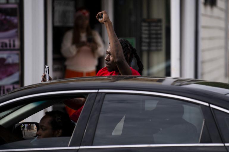 Inquiète pour son fils en âge de passer le permis, une mère a créé une application mobile qui protège les conducteurs noirs en cas d'interpellation par la police.