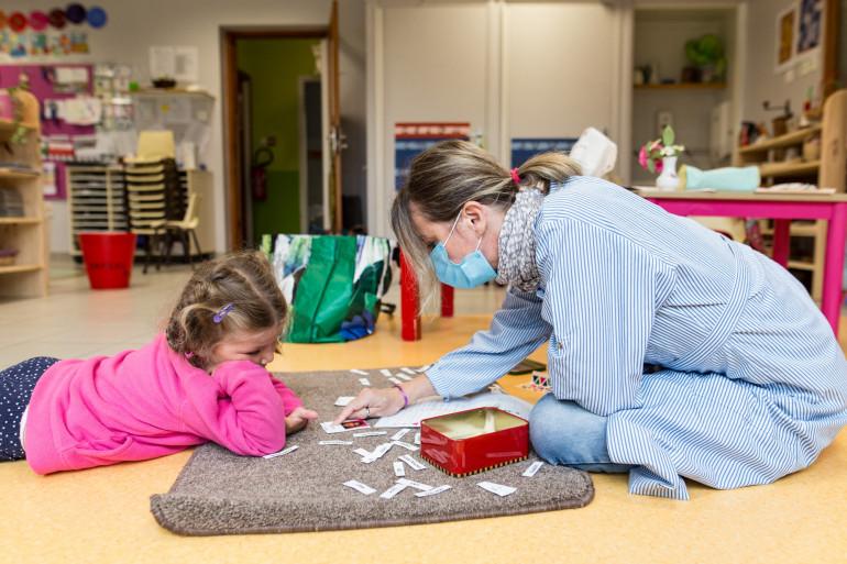 Les assistants maternels pourraient finalement avoir le droit de travailler.