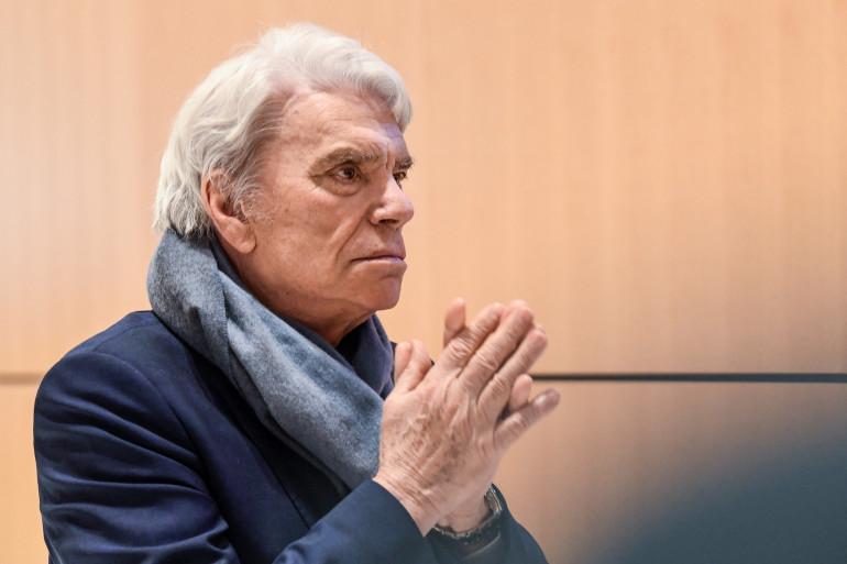 Bernard Tapie lors d'une suspension de son procès pour fraude, au palais de justice de Paris, le 4 avril 2019.