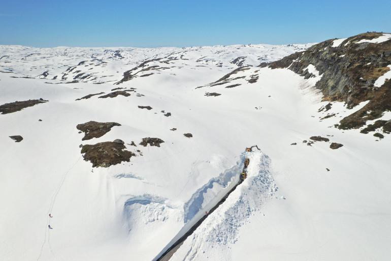 Les montagnes en Norvège (illustration)