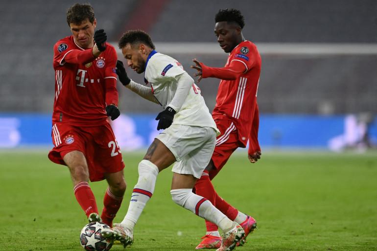 Neymar au duel avec Müller et Davies à Munich le 7 avril 2021