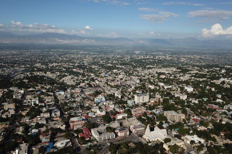 Cette vue aérienne montre le quartier Pétion-Ville de Port-au-Prince à Haïti, le 20 novembre 2018.