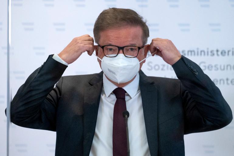 Le ministre autrichien de la Santé, Rudolf Anschober, lors de sa dernière conférence de presse en tant que ministre le 13 avril 2021 à Vienne.