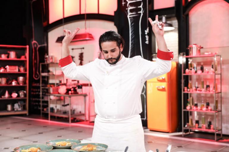 """Mohamed, membre de la brigade d'Hélène Darroze dans la saison 12 de """"Top Chef"""""""