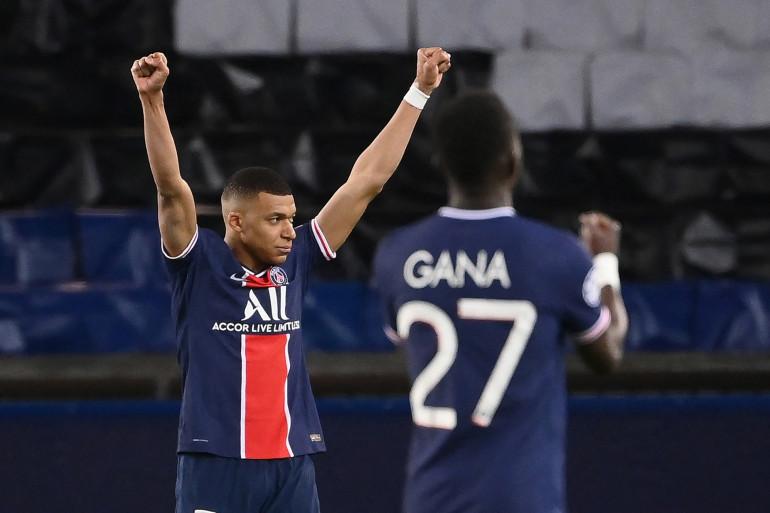 """Kylian Mbappé et Idrissa """"Gana"""" Gueye au Parc des Princes le 13 avril 2021"""