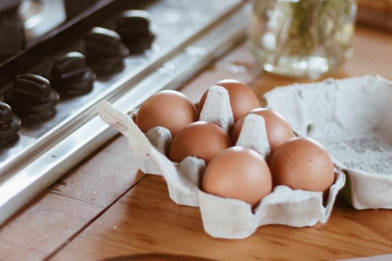 Cyril Lignac dévoile ses secrets de chef pour des œufs brouillés bien gourmands