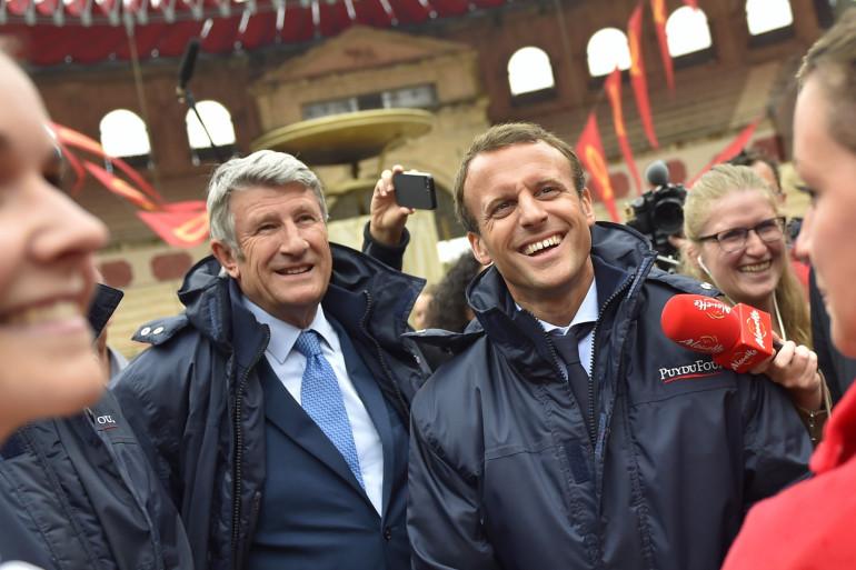 Emmanuel Macron au Puy du Fou (Les Épesses, Vendée), avec Philippe de Villiers, en août 2016