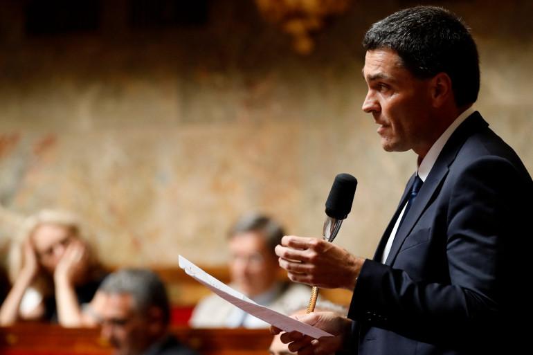 """Le député """"Les Républicains"""" Eric Pauget s'exprime lors d'une séance de questions au gouvernement à l'Assemblée nationale à Paris, le 26 juin 2019."""