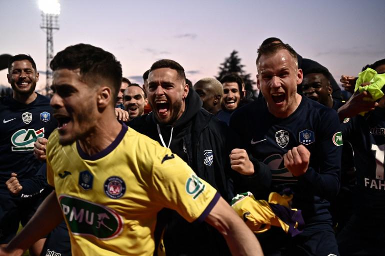Les joueurs du GFA Rumilly Vallières après leur victoire face à Toulouse