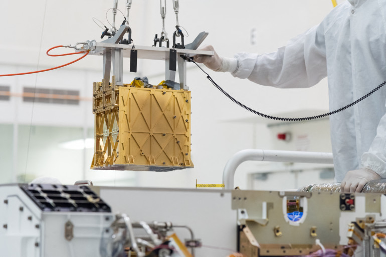 C'est cet instrument situé à l'avant de Perseverance baptisé Moxie qui a permis à la Nasa de produire de l'oxygène sur Mars